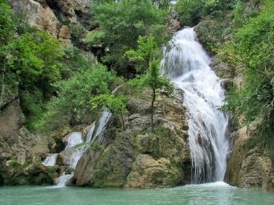 Хотнишки водопад с екопътека На 15 км